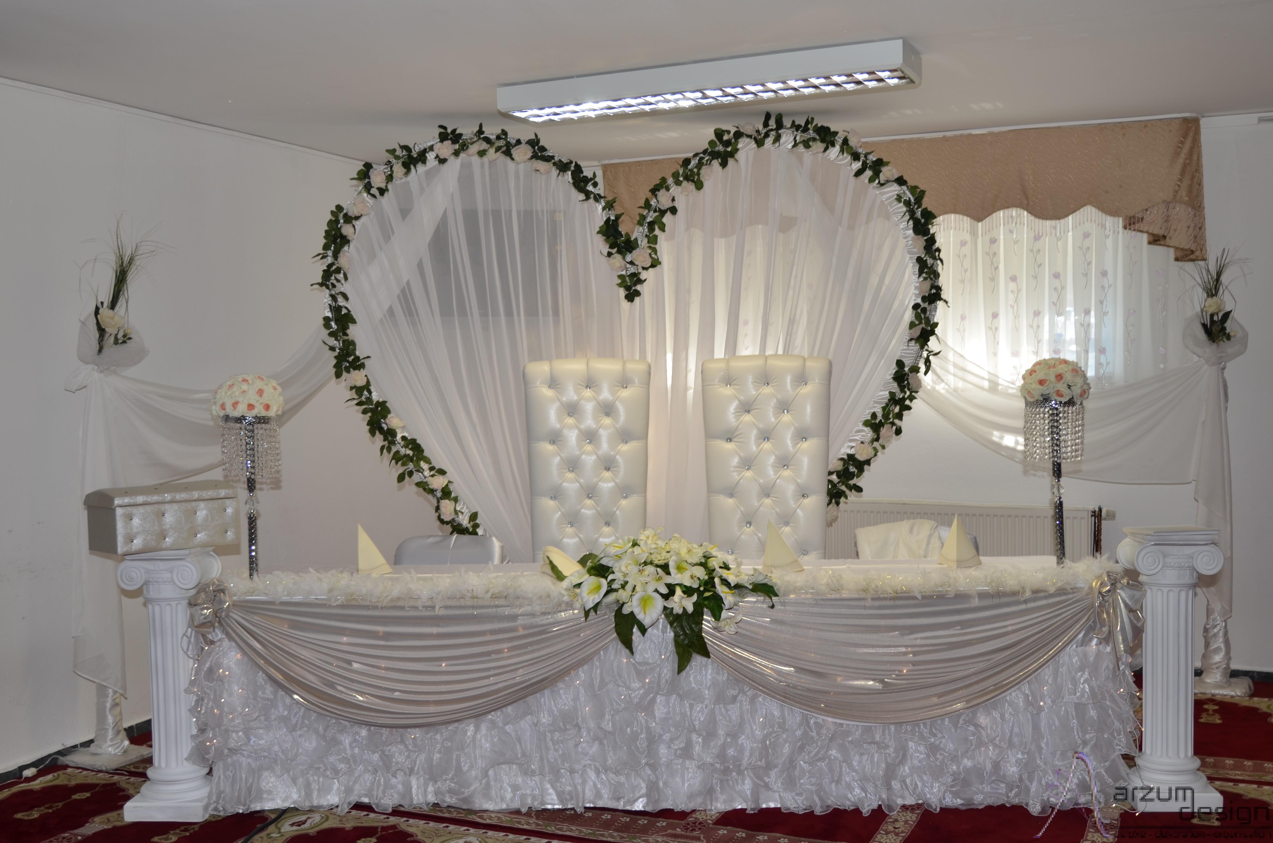 herz arzum design deluxe dekoration organisation hochzeit u events planen in raum. Black Bedroom Furniture Sets. Home Design Ideas